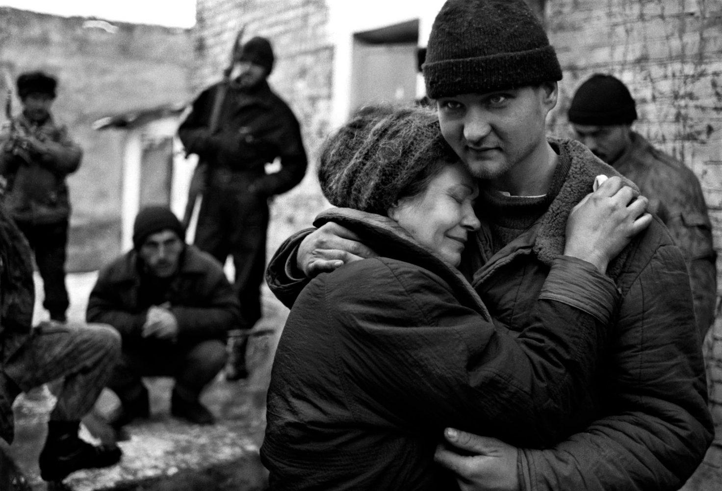 Картинки мать и сын война